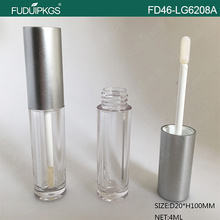 Plastic lip gloss container tube with silver cap