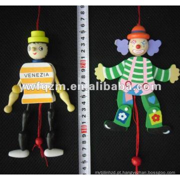 boneca de madeira pequena com corda para brinquedos do bebê