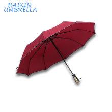 23 pouces cadeau promotionnel petite quantité tout type de matériel de pluie pas cher publicité automatique rouge parapluie pliant avec impression de logo