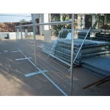 Construction retractable temporary fence