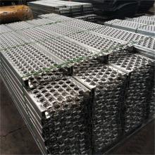 Зазубренный перфорированный металлический лист ступеньки