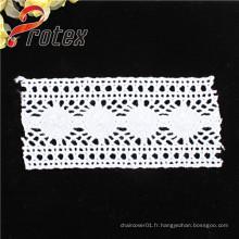 Tissu en dentelle en polyester / coton blanc de haute qualité