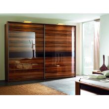 Шкаф для одежды в стиле модерн в Европе