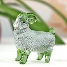 O ofício de cristal do carneiro modelo para o presente 2016 de cristal