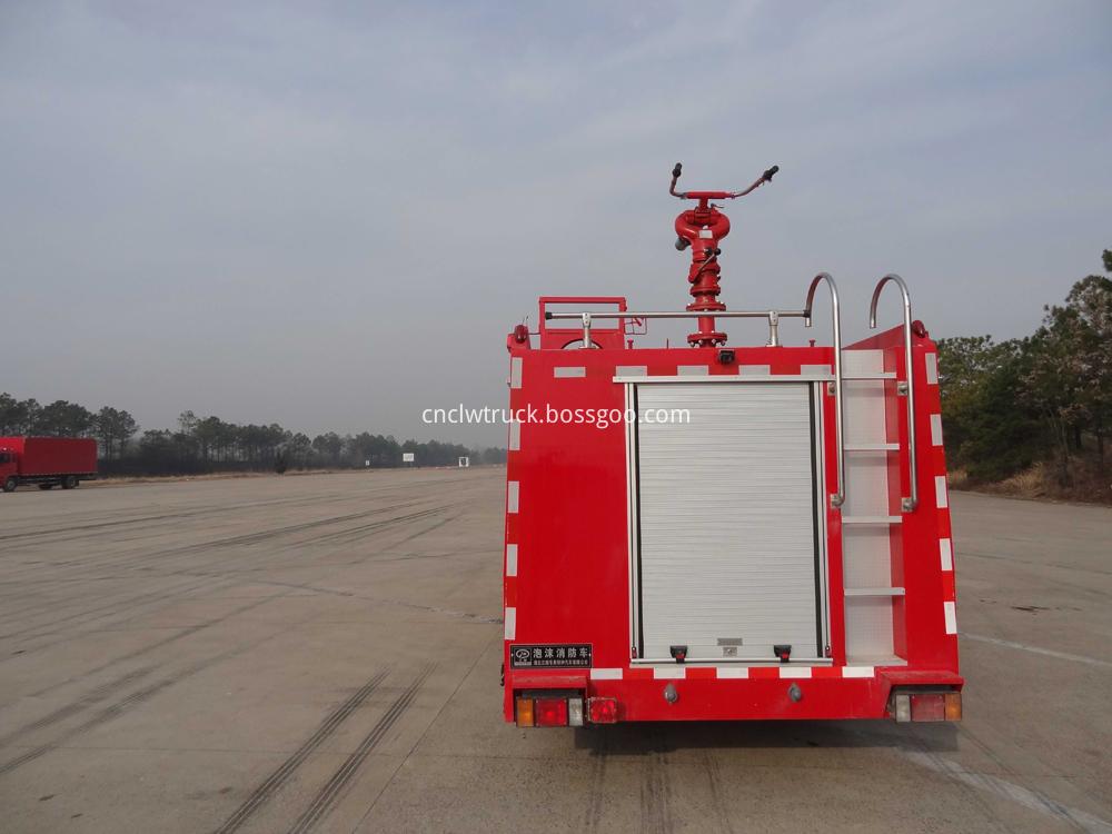 fire fighting foam truck 3