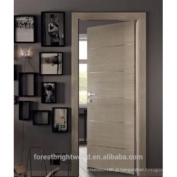 Projetos modernos de porta de madeira com tiras de alumínio