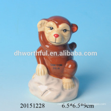 2016 Hot sale ceramic monkey pen holder
