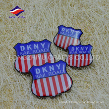Metal customizado dilicate fashion safty pin badges