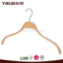 Ламинированная деревянная вешалка с резиновыми зубцами на плече