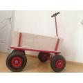 Holzwagen pädagogischen und praktischen Spielzeug und Volkskunst nutzen für Kind