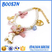 Bracelet de perles élégant pas cher avec plusieurs charmes