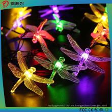 Luz LED de cadena de ahorro de energía multicolor con libélula