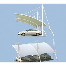 Structure à membrane pour abri de voiture
