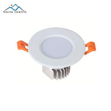 Hochhelles Gehäuse aus Aluminium mit eingebauter 7W-LED-Einbauleuchte