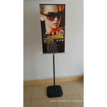 Reliable Pvc Señalización Interior Publicidad al por menor Freestand Poster Board Stands Metal Display Stand
