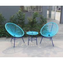 Meubles de jardin définit des chaises de rotin