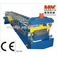 Máquina formadora de rollos con panel de techo autobloqueado / Máquina formadora de rollos en frío