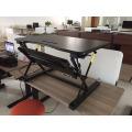 Gasfeder kleiner beweglicher justierbarer anhebender Schreibtisch Mini stehen oben Schreibtisch