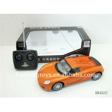 Beliebte 4 Funktion R / C Rennwagen 1:18 H84537