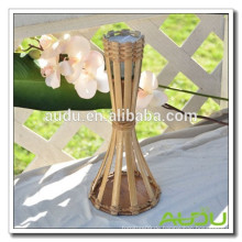 Audu Bamboo Fackel Citronella Kerze auf Tisch