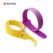 Gancho análogo de nylon colorido dos laços de cabo do fio