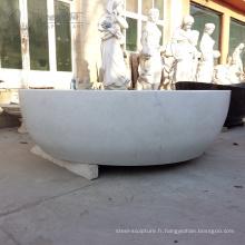 baignoire en pierre blanche en marbre