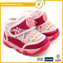 2015 Хлопчатобумажная ткань Специальное предложение Pook Hook & Loop (липучка) Unisex Tpr Shoes First Walker Chaussure Enfant Lovely Winter Baby