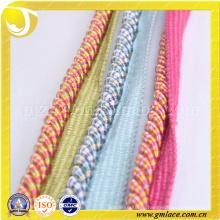 Текстильные занавески веревки полдень костюмы