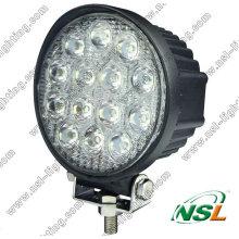 2016 Lampe de travail à LED pour équipement lourd, lampe de travail ronde à LED 12V pour pièce d'auto 42W pour tracteur