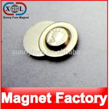 insigne métallique