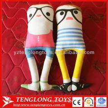 Design unique décoratif de haute qualité sans bras en daim jouet en peluche avec des lunettes