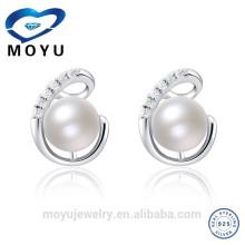 2015 Boucles d'oreilles pendantes en perles d'eau douce et nouvelle conception