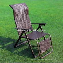 Rattan Zero Gravity Lounge Chair avec oreiller et porte-gobelet