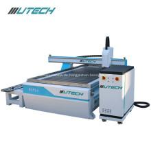 4-Achs-CNC-Fräser aus Schaumstoff und Holz