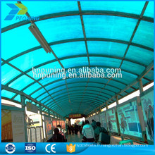 Feuille de protection en toiture polycarbonée isolée thermiquement pour hangar