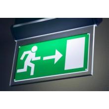 Sinais de tráfego direccionais acrílicos de alumínio personalizados dos Signages da luz do diodo emissor de luz