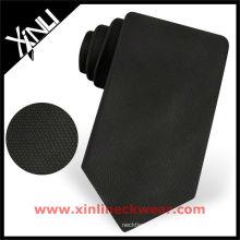 Cravate noire totale solide