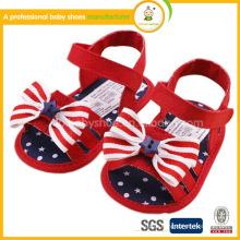 Novos sapatos de bebê por atacado Newborn infantil Primeiros caminhantes US Flag Design sandálias de crochê de bebê