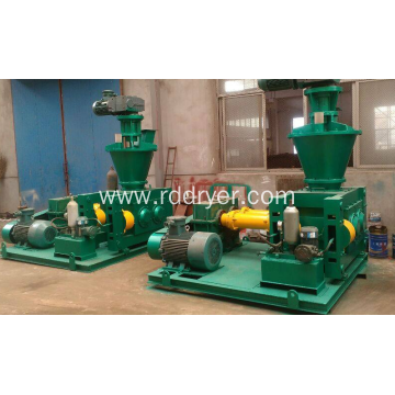 Chicken feed granulating machine
