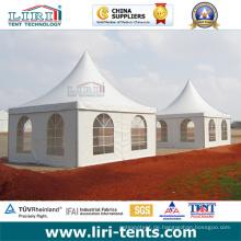 Zwei Pagoden-Zelt mit klaren Fenstern