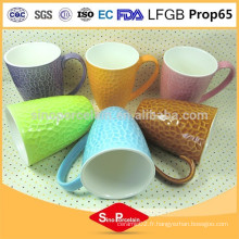 325 ml en forme de tambour Coloré-glacé New Bone China Honeycomb Mug en céramique