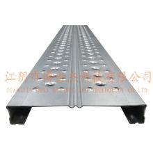 Plateaux d'échafaudage en acier avec crochet utilisés dans la construction