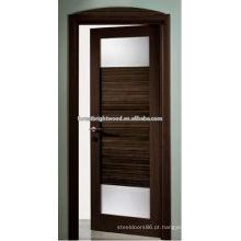 Porta interior moderna com inserções de vidro