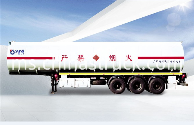 3 axle 30Ton oil tanker semi-trailer export model