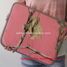 Ultraportable neoprene laptop carrying bag for Macbook