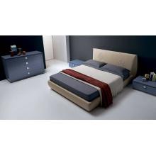 Conjunto de móveis com camas principais estofadas