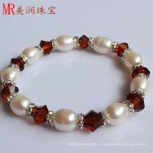 Bracelet élastique à la perle d'eau douce à l'agate rouge