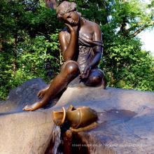 Senhora carregando uma estátua de Bronze de Frasco BS102A