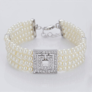 Fast Delivery for Womens Cuff Bracelet Multi Layers White Faux Pearl Bracelet supply to Sweden Factory