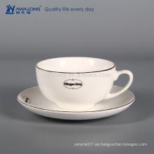 Taza de café de encargo blanca pura para que el café vaya, taza de café de la porcelana y platillo